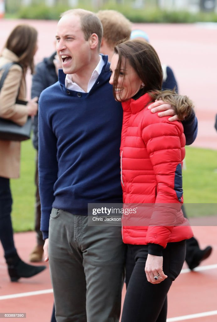the-duke-and-duchess-of-cambridge-and-prince-harry-join-team-heads-picture-id633897390