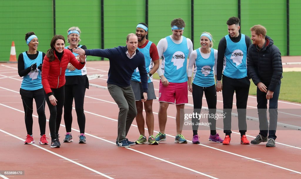 the-duke-and-duchess-of-cambridge-and-prince-harry-join-team-heads-picture-id633898470