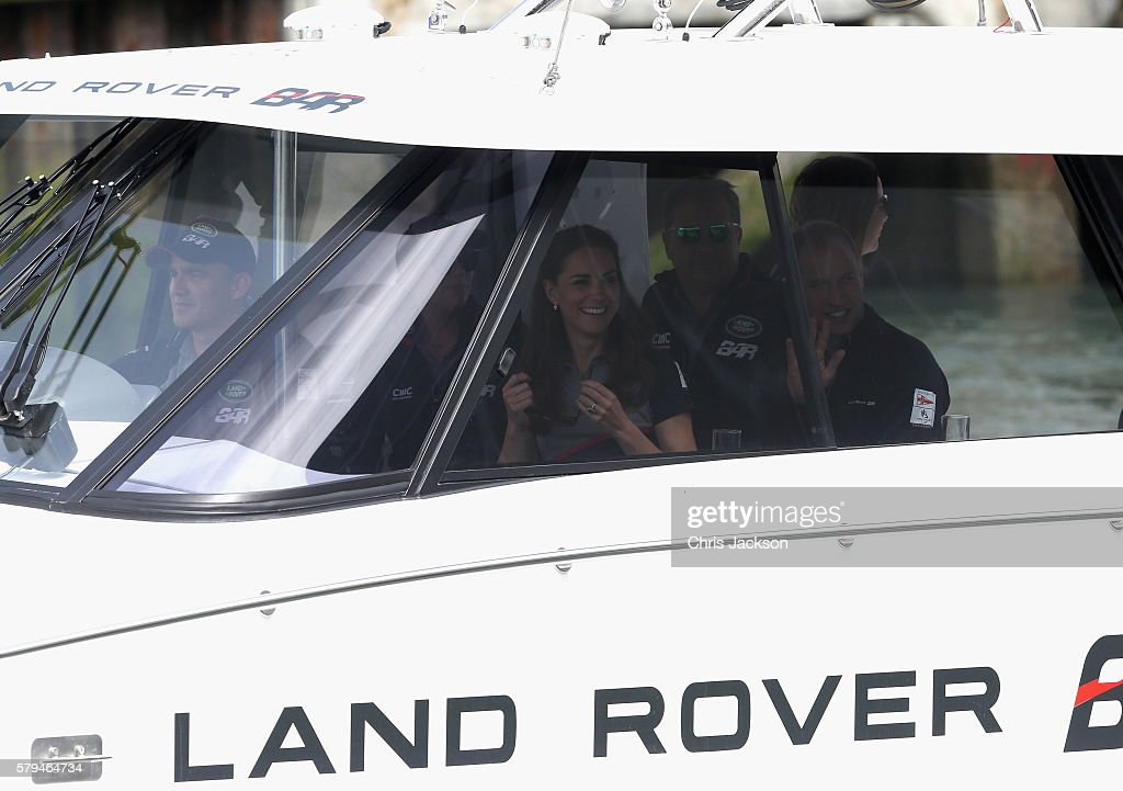 the-duke-and-duchess-of-cambridge-and-sir-charles-dunstone-watch-the-picture-id579464734