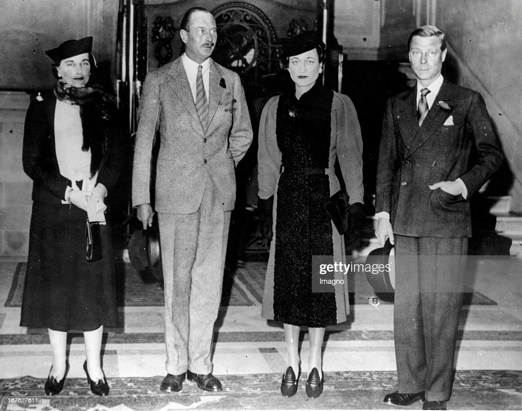 The Duke couple of Windsor and the Duke couple of Gloucester in Paris. Photograph. November 13th 1938. (Photo by Imagno/Getty Images) Das Herzogpaar von Windsor und das Herzogpaar von Gloucester in Paris. Photographie. .