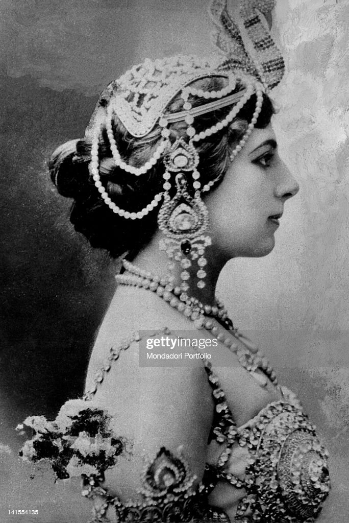 The Dutch dancer and spy Mata Hari wearing Oriental clothes and accessories 1910