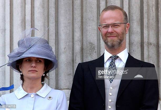 The Earl St Andrews With His Wife Sylvana Countess Of St Andrews On The Balcony Of Buckingham Palace