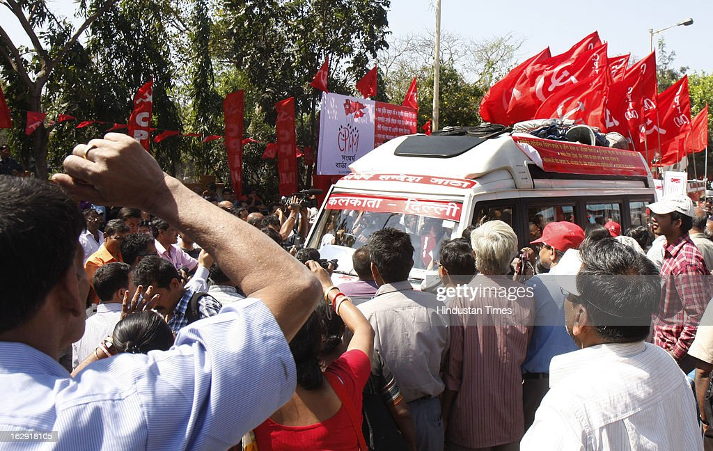 The Eastern Sangharsh Sandesh Jatha of Communist Party of India (Marxist) flagged of by former Chief Minister of West Bengal Buddhadeb Bhattacharya at Rani Rashmoni Road on March 1, 2013 in Kolkata, India. Starting from West Bengal and led by Party General Secretary Prakash Karat , this Jatha will travel through the states of Jharkhand, Bihar, Uttar Pradesh, Haryana and culminate in Delhi on March 14, 2013. The Jatha will apprise the masses about the alleged anti-people policies of the UPA regime.