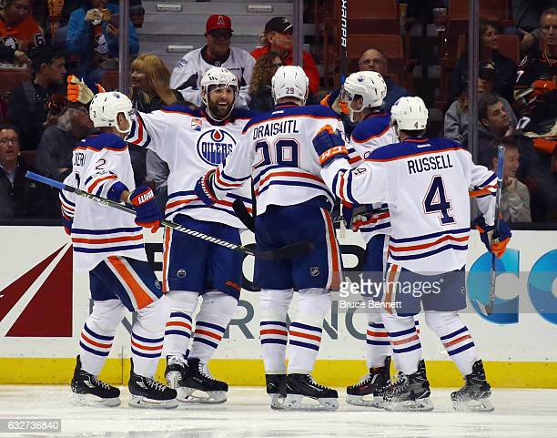 The Edmonton Oilers celebrate a third period goal by Leon Draisaitl of the Edmonton Oilers against the Anaheim Ducks at the Honda Center on January...