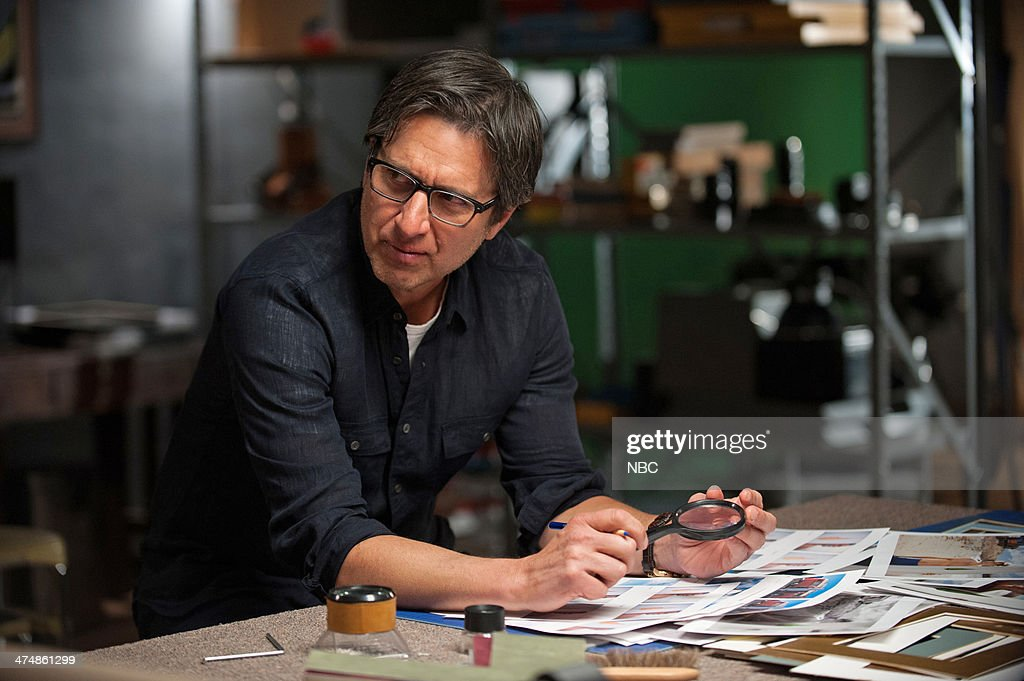 PARENTHOOD -- 'The Enchanting Mr. Knight' Episode 516 -- Pictured: Ray Romano as Hank Rizzoli --