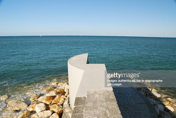 The end of the sea wall