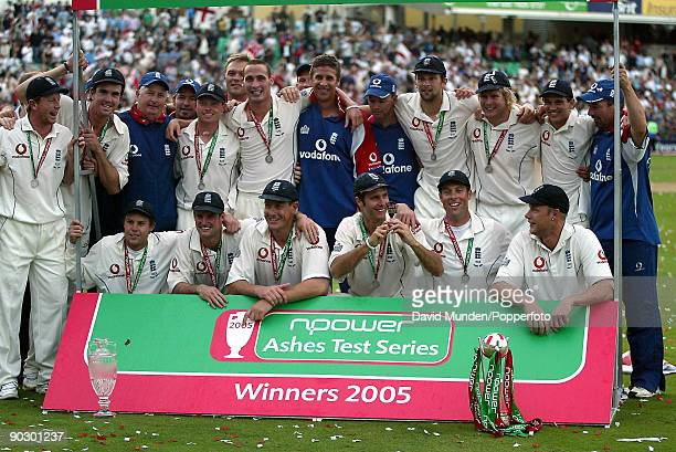 The England cricket team celebrate after the 5th Test match against Australia at The Oval in London 12th September 2005 The match ended in a draw but...