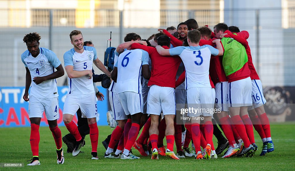The England team celebrate after being crowned champions during the Final of the Toulon Tournament between England and France at Parc Des Sports on May 29, 2016 in Avignon, France.
