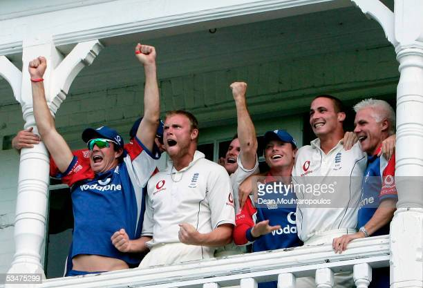 The England team celebrate winning the Fourth npower Ashes Test between England and Australia on August 28 2005 played at Trent Bridge in Nottingham...