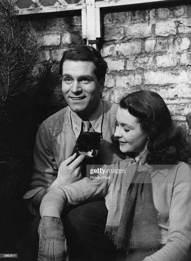 The English actor and director Laurence Olivier, later Lord Olivier, with his wife, the English actress Vivien Leigh. Original Publication: Picture Post - 696 - Laurence Olivier - unpub. Original Publication: People Disc - HW0662