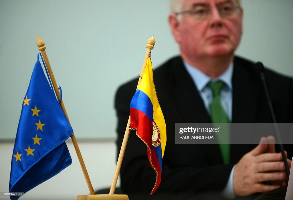 The European Union envoy to Colombia's peace process, Eamon Gilmore, speaks during a press conference in Medellin, Antioquia department, Colombia on May 24, 2016. Gilmore is in the country to participate in the event 'The European Union and Colombia: Opportunities for trade and investment in post-conflict Colombia', sponsored by a local university. / AFP / -- / RAUL