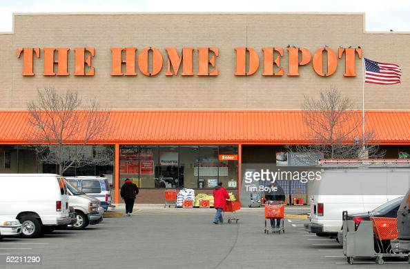 The facade of The Home Depot store is seen February 17 2005 in Evanston Illinois The world's largest home improvement retailer Atlantabased Home...