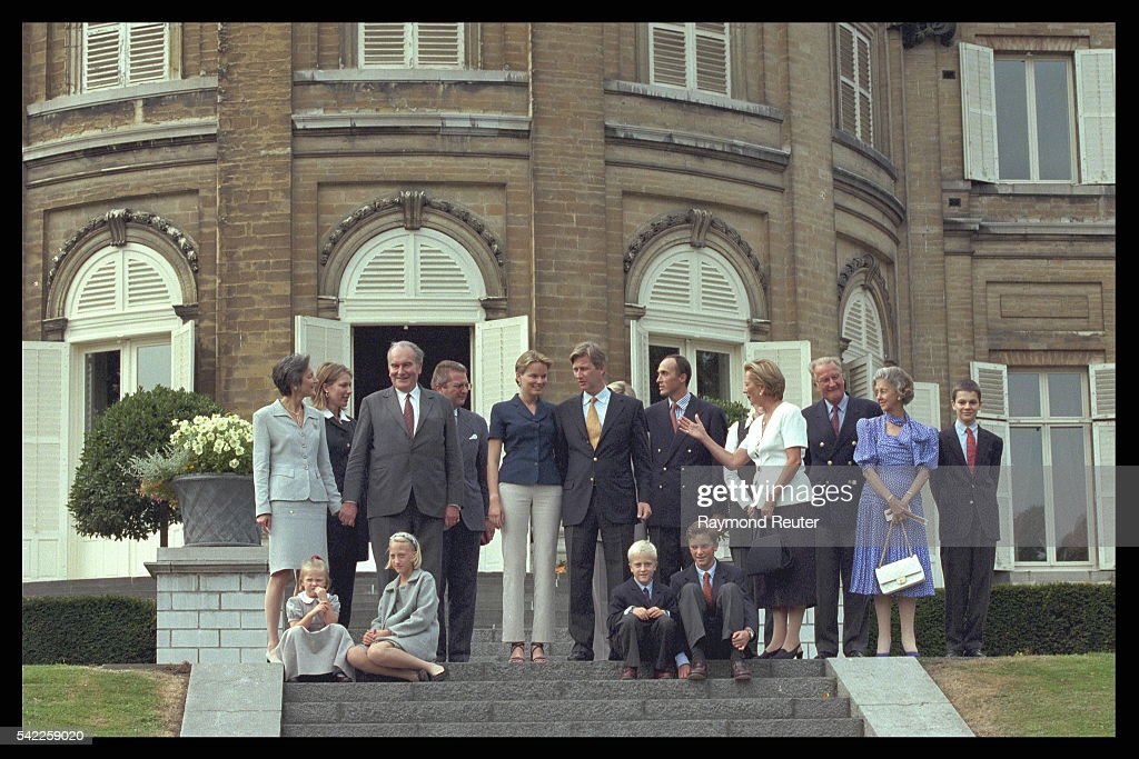 The families of the engaged couple on the perron at Laeken Chateau