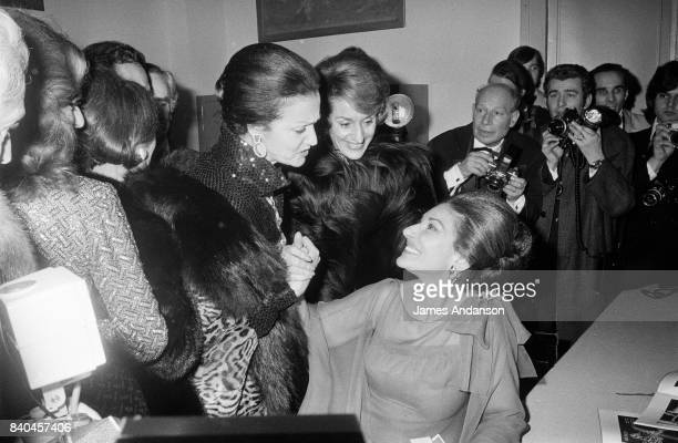 The fans come to congratulate the Greek Opera singer Maria Callas after her performance with the tenor Giuseppe di Stéfano of Verdi's opera...