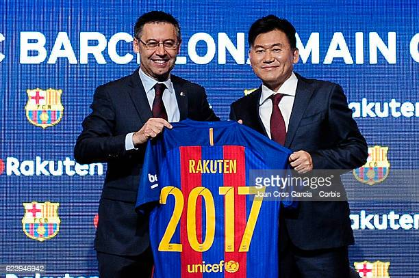 The FC Barcelona president Josep Maria Bartomeu and the Rakuten CEO Hiroshi Mikitani launching the new FCBarcelona Global Partner Rakuten on November...