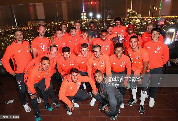 The FC Bayern Muenchen players pose in front of the skyline during the AUDI Night event of the AUDI Summer Tour USA 2016 on August 1 2016 at...