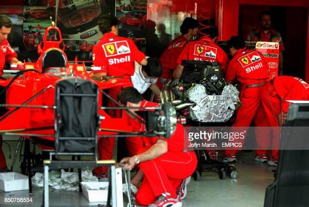 Mecano band photos et images de collection getty images for Garage auto mecano buc