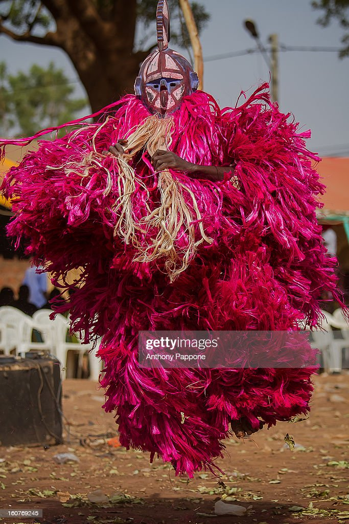 CONTENT] The festival of masks in Burkina Faso including masks leaves, fiber masks, feather masks, white masks, masks with straw, masks skins, dedougou, burkina faso, westafrica
