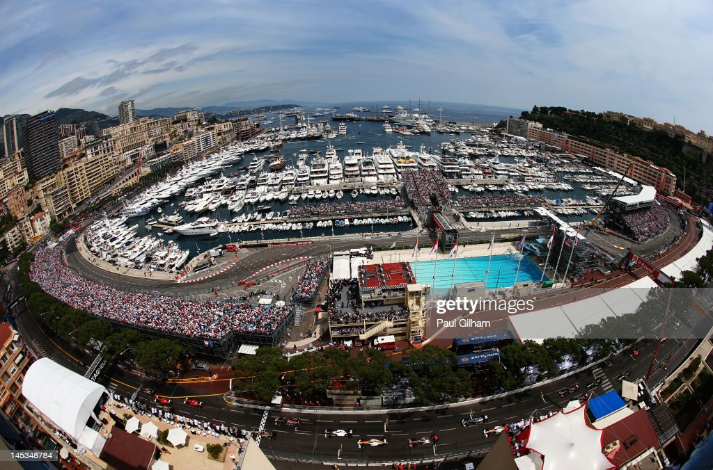 The field gets underway at the start of the Monaco Formula One Grand Prix at the Circuit de Monaco on May 27, 2012 in Monte Carlo, Monaco.