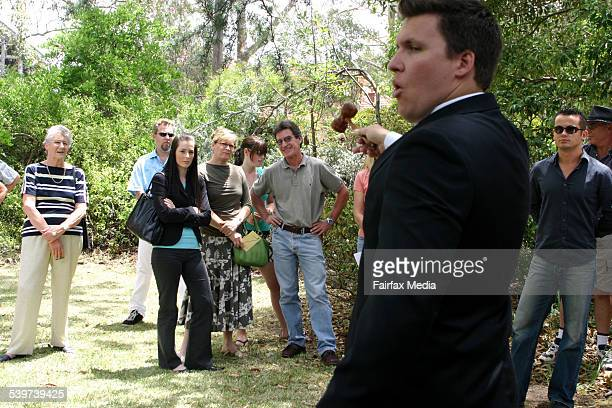 The final moments of the auction of the Walter Burley Griffindesigned home at Castlecrag dubbed Cheong House which sold for $1000 19 November 2005...