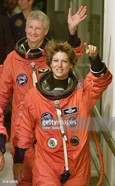first female space shuttle commander - photo #12