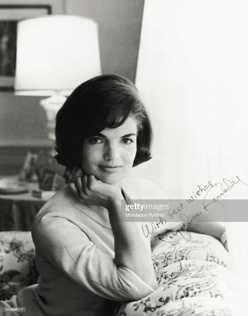The First Lady, Jacqueline Kennedy in a signed photograph, which shows all her beauty and elegance. Gerosa (Italy), 1964.