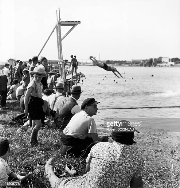 The First Paid Vacations In France Swimming And Relaxation Along The River