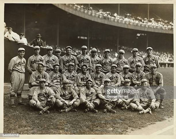 The first photo to be made of the entire team of the St Louis Nationals since they clinch the National League pennant It was made at the Polo Grounds...