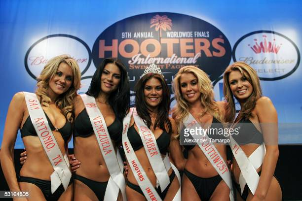 The five finalists Stacie Burns Ambar Martinez Miss Hooters International 2005 Anna Burns Sarah Coggin Beverly Mullins pose at the 2005 Hooters...