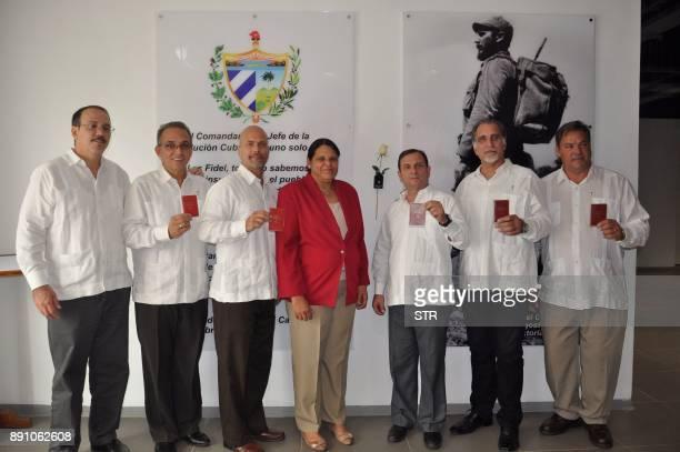 The Five Heroes of the Republic of Cuba Antonio Guerrero Gerardo Hernandez Fernando Gonzalez Rene Gonzalez and Ramon Labanino pose with Cuba's Head...