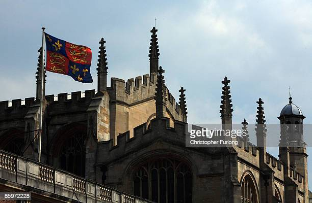 The flag of Eton College flies above Upper School and College Chapel on May 21 2008 in Eton England An icon amongst private schools since its...