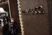 The flagship Tiffany Co store is viewed on November 29 2011 in New York City The highend jewelry retailer saw its fiscal thirdquarter earnings climb...