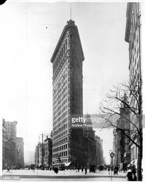 The Flatiron Building on 5th Avenue in New York City circa 1920