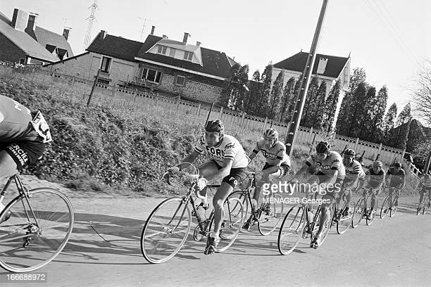The Fleche Wallonne 1966 En avril 1966 la flèche Walone une course cycliste d'une journée se déroulant chaque printemps en Belgique Michele DANCELLI...