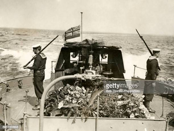 The flowercovered coffin of nurse Edith Cavell executed by the Germans for treason on board a British destroyer during its passage from Ostend to...