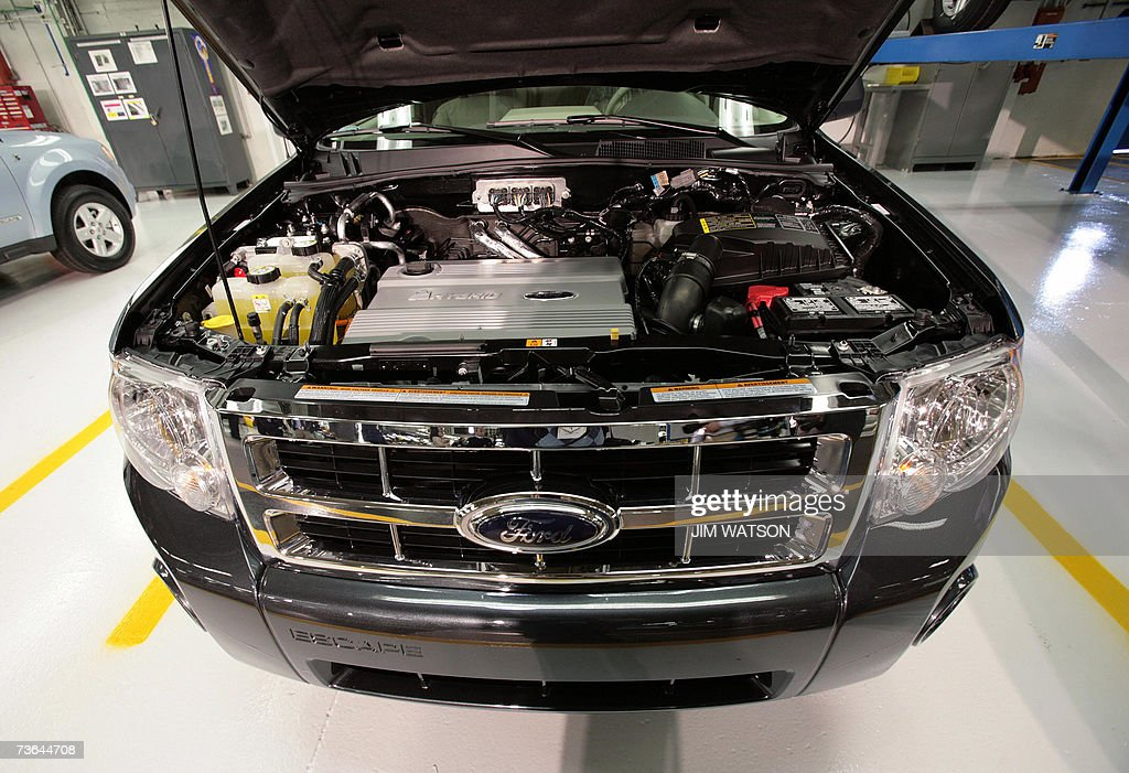 The Ford Escape hybrid engine on display at the Kansas City Ford Assembly Plant in Claycomo, Missouri, were US President George W. Bush toured before making remarks on energy initiatives 20 March 2007. AFP PHOTO/Jim WATSON