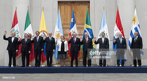The foreign ministers participating in the MercosurPacific Alliance Seminar for Regional Integration pose for the official picture with Chilean...