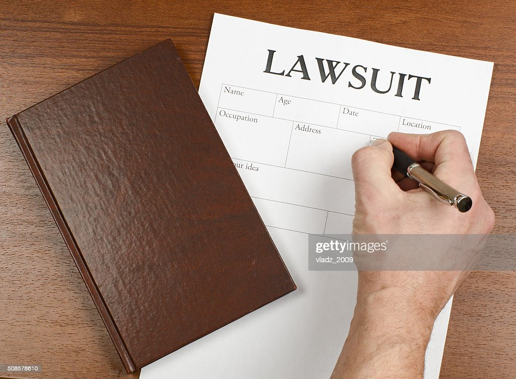 the form of the lawsuit is on the table : Stockfoto