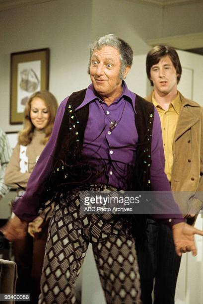 FAMILY 'The FortyYear Itch' 11/19/71 Ray Bolger Extras