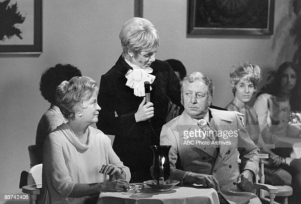 FAMILY 'The FortyYear Itch' 11/19/71 Rosemary De Camp Shirley Jones Ray Bolgers Extras