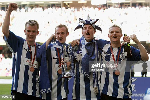The four Sheffield Wednesday scorers Glen Whelan Drew Talbot Steven Maclean and Jon Paul Mcgovern celebrate after winning the CocaCola Football...