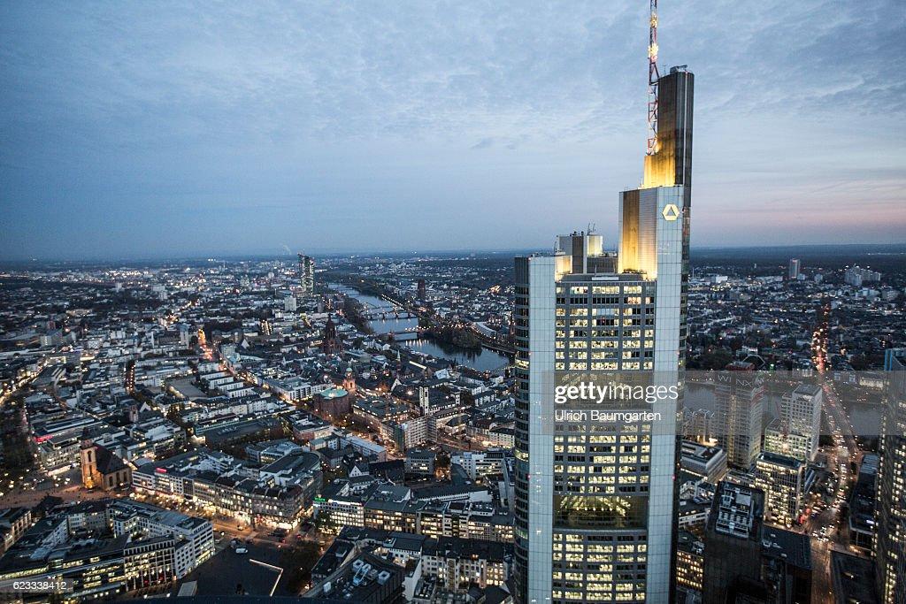 Brombel frankfurt trendy great download commerzbank - Buromobel gebraucht frankfurt ...