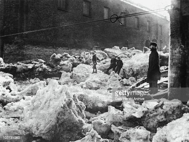 The freezing over of the River Thames London 1895 'Taken during the great freezeup 1895 when the Thames froze over believed to be Deptford Creek This...