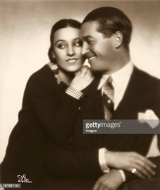The french actorcouple Maurice Chavalier and Yvonne Vallée Photograph 1927 Das SchauspielerEhepaar Maurice Chavalier und Yvonne Vallée Photographie...