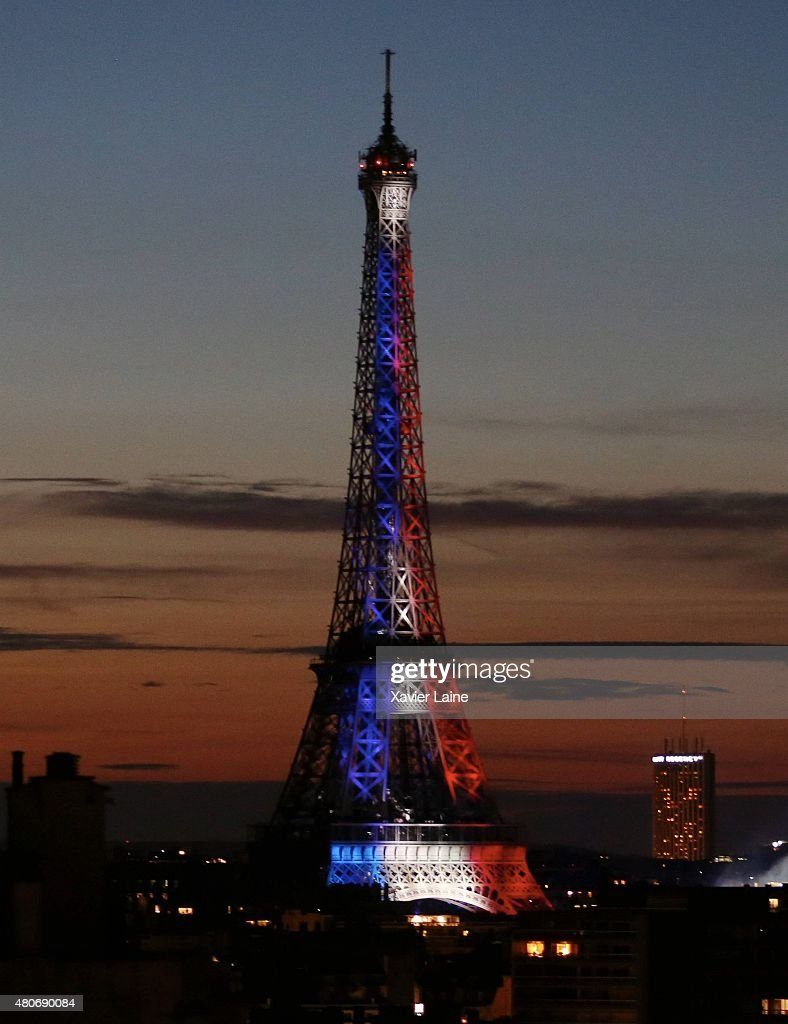 2015 bastille day fireworks at eiffel photos and images getty images