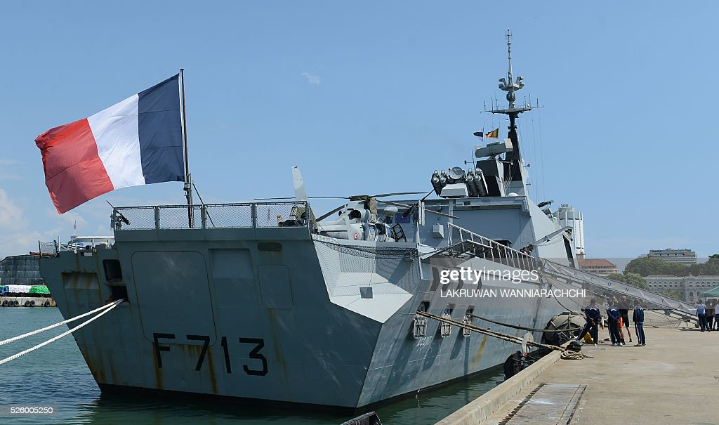 The French naval ship Aconit is anchored at Sri Lanka's Colombo harbour on April 29, 2016. The French navy vessel is on a week-long visit to Sri Lankas main sea port of Colombo. / AFP / LAKRUWAN