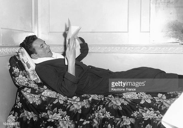 Charles trenet images et photos getty images for Divan singer