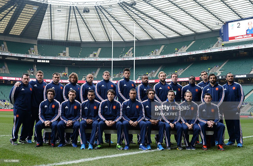 The French team line up for a team photograph before the start of the Six Nations international rugby union match between England and France at Twickenham Stadium in south-west London on February 23, 2013. AFP PHOTO / FRANCK FIFE