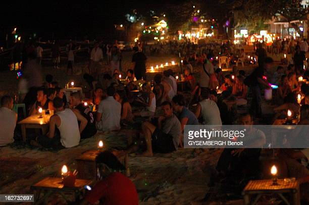 The Full Moon Party In Thailand La 'Full Moon Party' sur l'île de KOH PHANGAN en THAILANDE est la plus grande fête d'Asie célébrant la pleine lune...