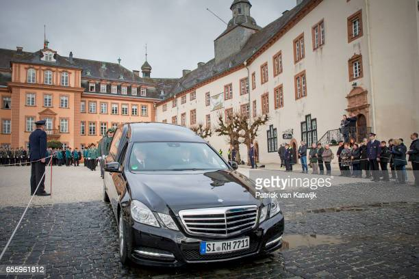 The funeral car arrives for thefuneral service of Prince Richard zu SaynWittgensteinBerleburg at the Evangelische Stadtkirche on March 21 2017 in Bad...